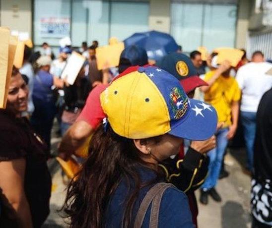 11.000 venezolanos deberán tramitar residencia en Perú tras vencer el PTP