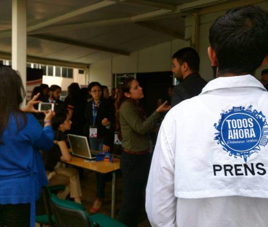 Periodistas más que informadores son defensores de la verdad