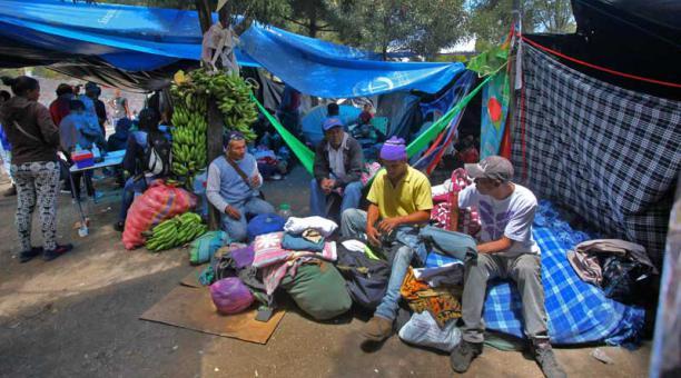 Asisten a venezolanos en Quito