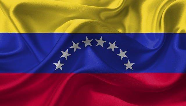 Joven en Lóndres pone el nombre de Venezuela en alto