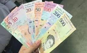 Otro golpe a la economía venezolana, salario mínimo subió a 300.000 Bs
