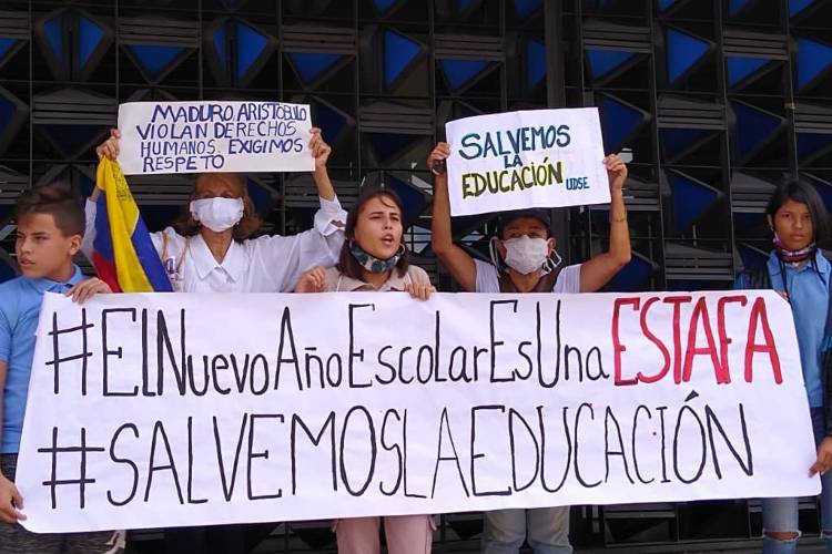 Protestas en la sede MPPE