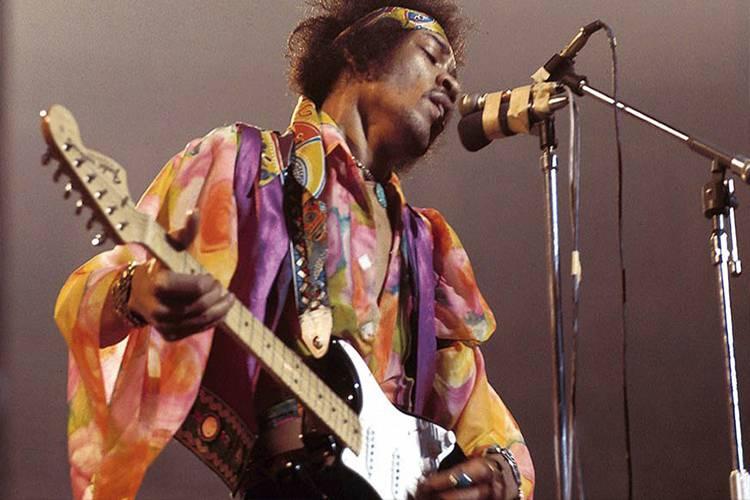 Jimi Hendrix cautivó con su guitarra incluso a Eric Clapton. | Foto: referencial