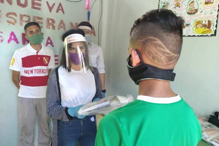Niños en San Cristóbal.