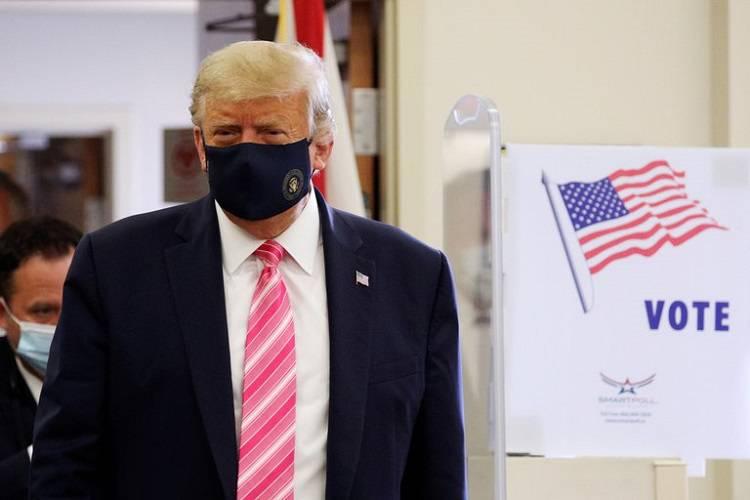 Imagen cortesía. Este 24 de octubre, Trump emitió su voto anticipado en Florida