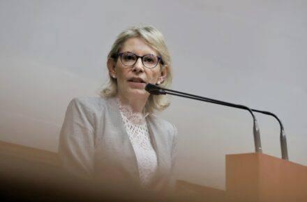 Olivia Lozano, diputada a la AN