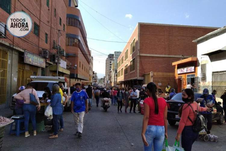 Aglomeración en Barquisimeto, estado Lara. Foto: María Márquez. Todos Ahora
