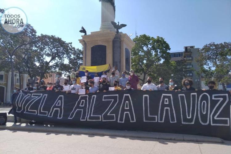 Estudiantes carabobeños protagonizaron Día de la Juventud. Foto: Sydney Díaz. Todos Ahora