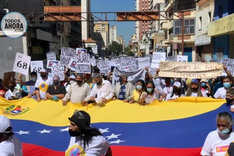 Trabajadores de la salud protestaron este 10 de febrero. Foto: Axel Suárez. Todos Ahora