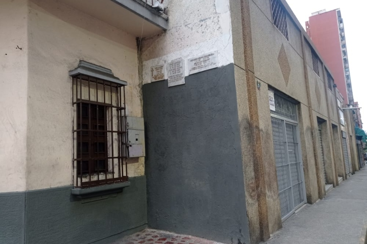 Mural de los caidos en La Candelaria