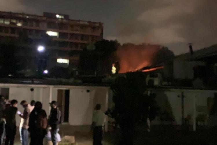 Se registró un incendio en la Escuela de Estudios Políticos de la UCV    Todos Ahora