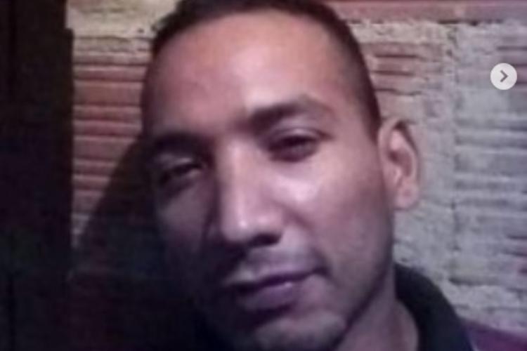 Hombre quemado en Baruta