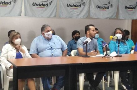 Unidad denuncia al Psuv