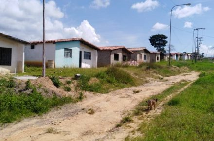 Continúa sin servicios públicos urbanismo del gobierno